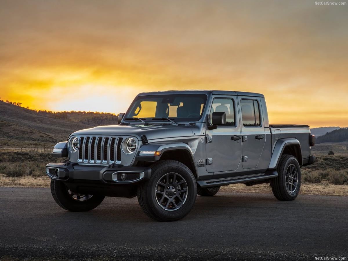 جیب گلادیاتور 2020 - Jeep Galdiator.jpg