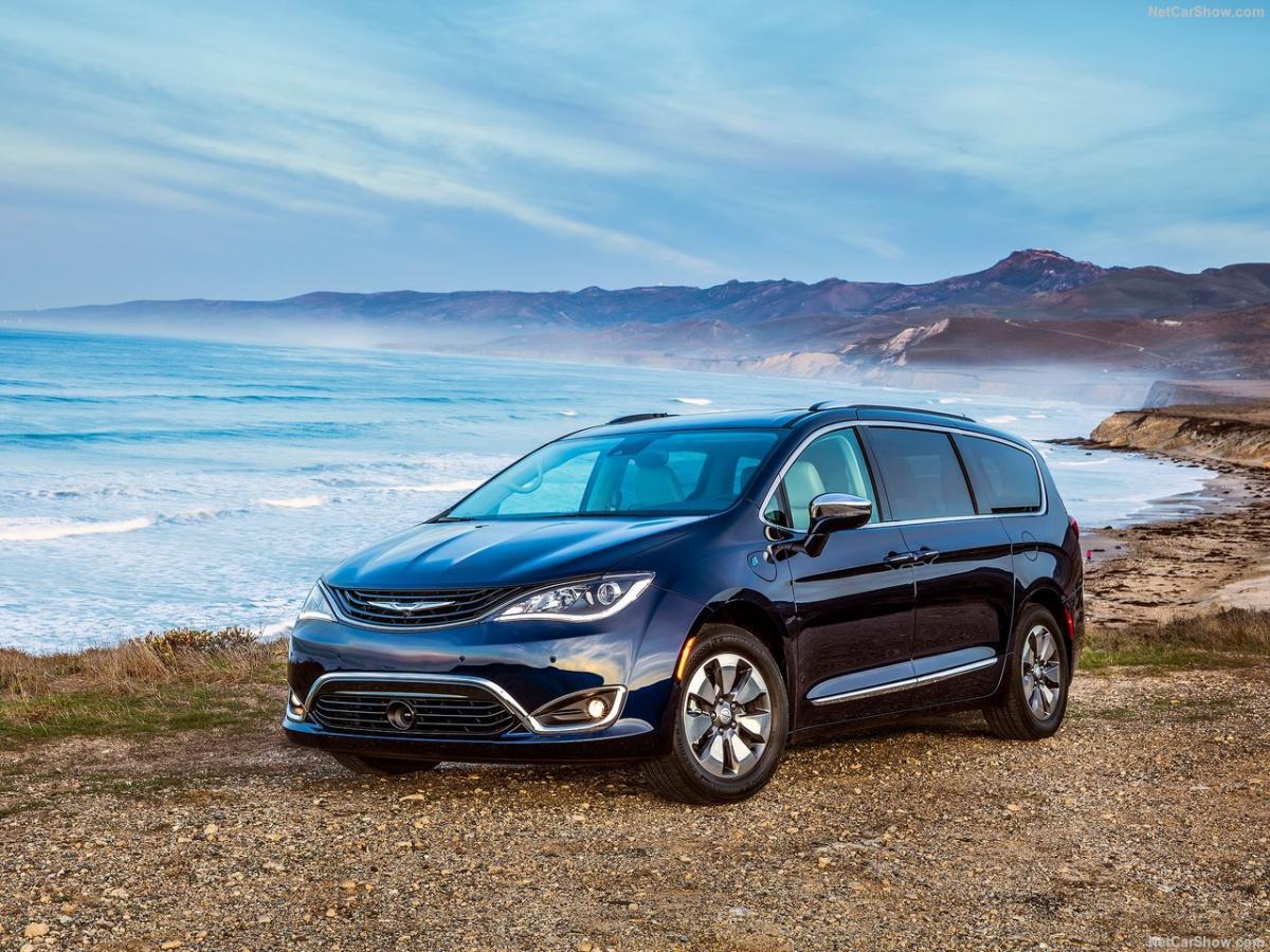 کرایسلر پسیفیکا 2020 - Chrysler Pasifica.jpg